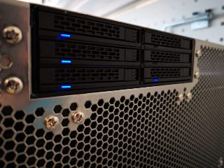 A dedicated server chassis design